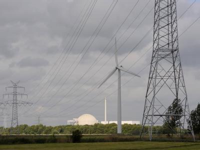 Das Kernkraftwerk Unterweser bei Nordenham an der Weser soll nicht mehr ans Netz gehen.
