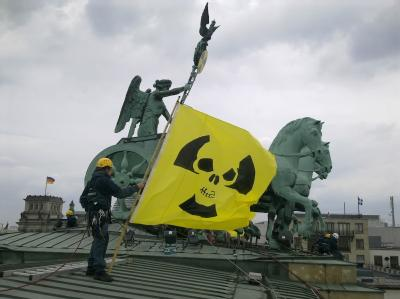 Greenpeace-Protest auf dem Brandenburger Tor