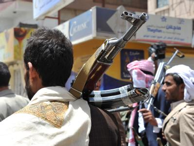 Bewaffnete in Sanaa