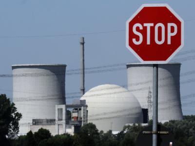 Nicht alle Einwohner sind glücklich darüber, dass das Atomkraftwerk Biblis nicht mehr ans Netz geht.