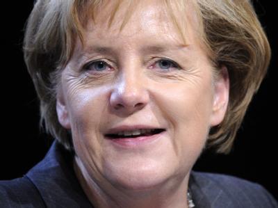 Angela Merkel wird für ihren in der DDR gelebten Traum von Freiheit geehrt.