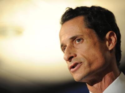 Anthony Weiner entschuldigte sich auf der Pressekonferenz vor allem bei seiner Frau.