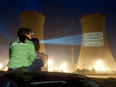 Um den Atomausstieg möglich zu machen, sollen die Bürger zum Energiesparen angehalten werden. Foto: Andreas Varnhorn/Greenpeace