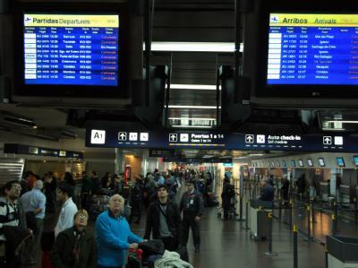Die Passagiere in Buenos Aires müssen warten