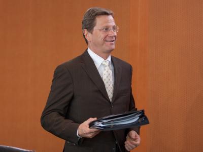 Außenminister Guido Westerwelle vor der Sitzung des Bundeskabinetts.