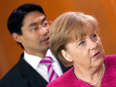Die Mehrheit der deutschen Topmanager und führenden Politiker ist unzufrieden mit der Arbeit der schwarz-gelben Koalition.