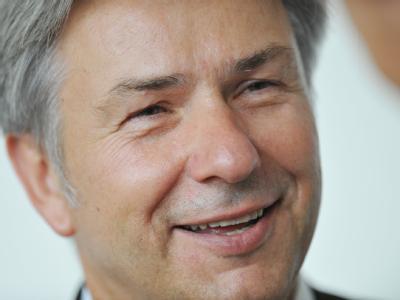 Bei einem Empfang zu seinem zehnten Amtsjubiläum am 16.06.2011 lächelt der Regierenden Bürgermeisters von Berlin, Klaus Wowereit.