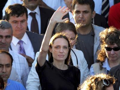 Angelina Jolie in einem Flüchtlingslager in der Türkei.