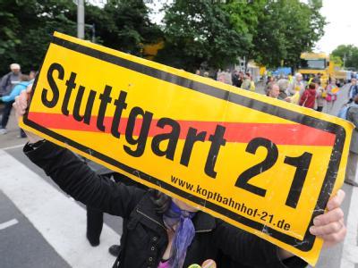 Protest in Stuttgart: Das umstrittene Bahnhofsprojekt hat offenbar den Stresstest bestanden.