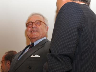 Der ehemalige Vorstandsvorsitzende der Deutschen Bank, Rolf Breuer (l), Ende Juni bei der Fortsetzung des Kirch-Prozesses.