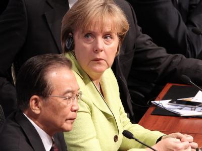 Der chinesische Ministerpräsident Wen Jiabao und Bundeskanzlerin Angela Merkel bei den ersten deutsch-chinesischen Regierungskonsultationen.