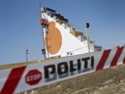 Beim Roskilde-Rockfestival ist eine Deutsche von einem Turm gestürzt und umgekommen.