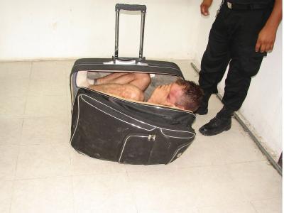 Dumm gelaufen: Der Versuch einer Mexikanerin, ihren Freund in einem Koffer aus dem Knast zu schmuggeln, scheiterte kläglich.