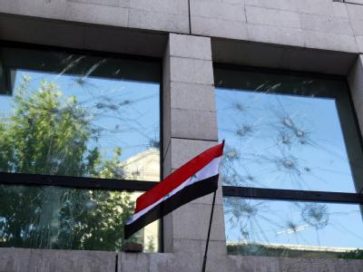 Die französische Botschaft in Damaskus wurde von Assad-Anhängern angegriffen.