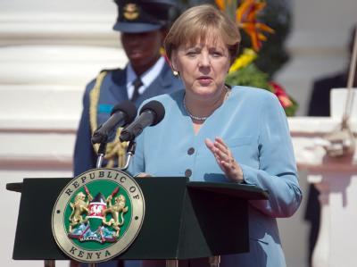 Kanzlerin Merkel spricht während einer Pressekonferenz in Nairobi.