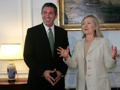 Griechenlands Außenminister Stavros Lambrinidis mit seiner amerikanischen Amtskollegin Hillary Clinton in Athen.