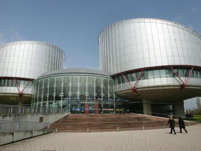Der Europäische Gerichtshof für Menschenrechte in Straßburg hat die Meinungsfreiheit von Arbeitnehmern gestärkt