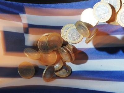 Zu dem Maßnahmenbündel für Athen gehören günstigere Zinsen und längere Laufzeiten für Kredite. Die Rettungsaktion hat ein Gesamtvolumen von 109 Milliarden Euro.