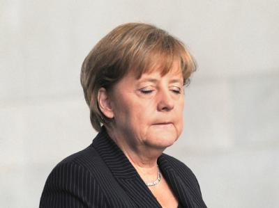 In der Kontroverse um den Kurs der CDU gerät die Parteivorsitzende Angela Merkel immer stärker unter Druck.