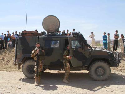 ISAF-Soldaten in Afghanistan: Immer wieder kommt es zu Anschlägen in der südafghanischen Provinzhauptstadt Kandahar. (Archiv- und Symbolbild)