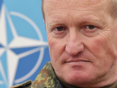 Bundeswehrgeneral Erhard Bühler, der Oberkommandierende der von der Nato geführten KFOR-Truppe (Foto vom 1.9.2010).