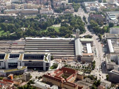 Luftbild vom Stuttgarter Hauptbahnhof und dem Gelände von Stuttgart 21.