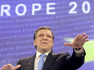 Heftige Kritik an EU-Kommissionspräsident José Manuel Barroso. Er hatte eine Überprüfung aller Elemente des Euro-Rettungsschirms verlangt.