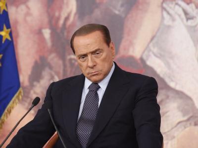 Italien ein «Scheißland»? Das sollte ein Regierungschef wohl auch in einem nächtlichen Telefonat nicht von seinem Land sagen. Nachdem es öffentlich wurde, beschwichtigt Italiens Ministerpräsident Silvio Berlusconi..