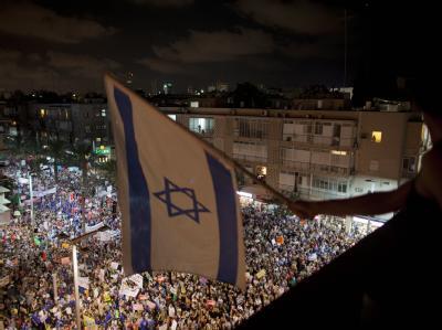 Hunderttausende Israelis haben im ganzen Land gegen soziale Missstände protestiert.