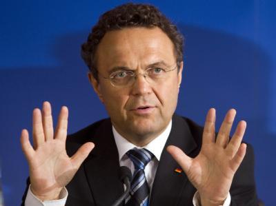 Bundesinnenminister Friedrich lehnt Entschädigung für deutsche Zwangsarbeiter ab.