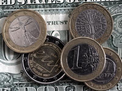 Der Eurokurs hat sich etwas von seinem jüngsten Minus erholt. Händler erwarten aber weitere Verluste.