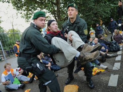 Polizei löst Blockade auf