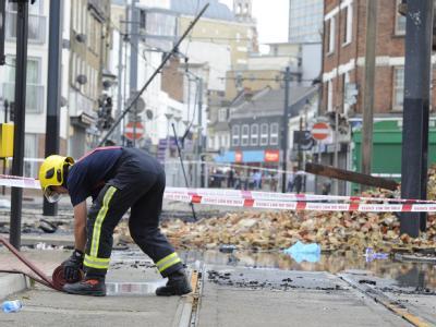 Die Aufräumarbeiten in London werden noch lange andauern.