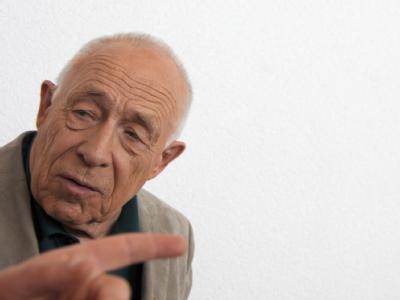 Schlägt als Kompromissvorschlag einen kombinierten Kopf- und Tiefbahnhof vor: Schlichter Heiner Geißler. (Archivbild)