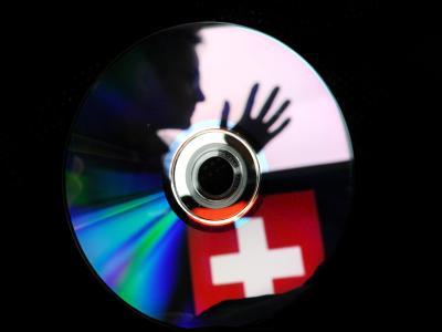 Unmittelbar nach dem deutsch-schweizerischen Steuerabkommen sorgt eine angeblich neue Daten-CD aus der Schweiz mit Daten mutmaßlicher Steuerbetrüger für Wirbel (Symbolfoto).