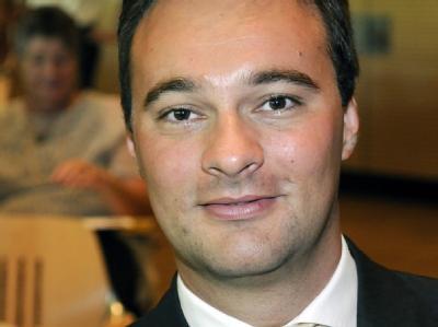 Oliver Luksic beim Landesparteitag der FDP-Saar in Illingen (Archivfoto vom 23.08.2009).
