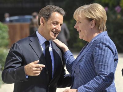 Nicolas Sarkozy und Kanzlerin Angela Merkel am Elysée Palast in Paris.
