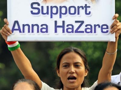Protestierende Inderin: Unterstützung für den Anti-Korruptions-Aktivisten Anna Hazare.