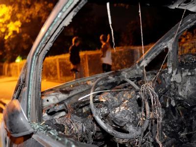 Kein Ende der Brandstiftungen: Bereits an drei aufeinanderfolgenden Nächten wurden 35 Autos angezündet.