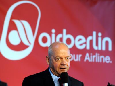 Air-Berlin-Vorstandschef Joachim Hunold legt sein Amt zum 01. September 2011 nieder. (Archivbild)
