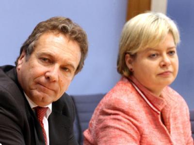 Die Parteivorsitzenden der Linken, Klaus Ernst und Gesine Lötzsch. (Archivbild)