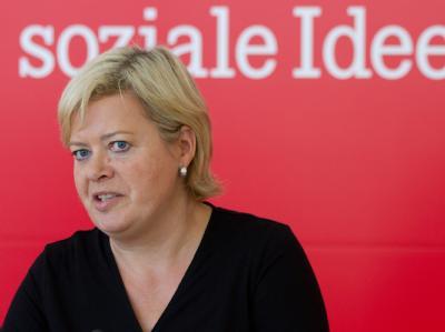 Gesine Lötzsch, Parteivorsitzende der Linken, fordert ein Ende der internen Diskussionen.