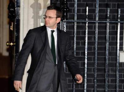 Der ehemalige Chefredakteur der «News of the World» Andy Coulson zieht gegen seinen früheren Arbeitgeber vor Gericht.