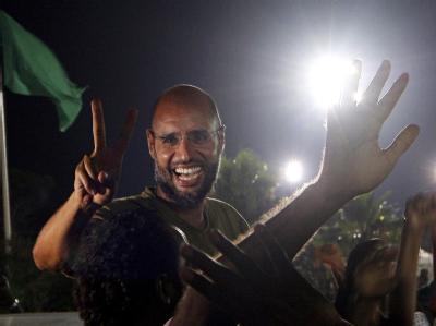 Saif al-Islam bei seinem überraschenden Auftritt in Tripolis.