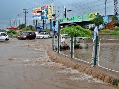 Die Zahl der Opfer bei neuen Überschwemmungen im Nordwesten Pakistans steigt weiter.