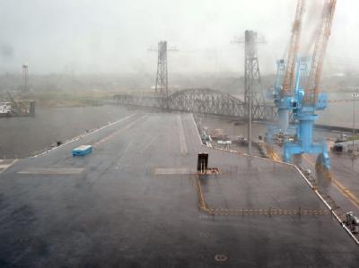 Blick in den Hafen von Portsmouth in Virginia: Hurrikan «Irene» hatte das ganze Wochenende an der US-Ostküste getobt.