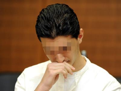 Der Angeklagte Arid Uka auf der Anklagebank im Hochsicherheitssaal des Oberlandesgerichtes in Frankfurt am Main.