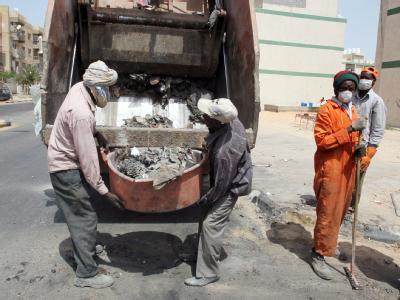 Aufräumarbeiten in den Straßen von Libyens Hauptstadt Tripolis.