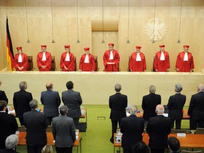 Der Zweite Senats des Bundesverfassungsgerichts verkündet das Urteil über die Finanzhilfen.