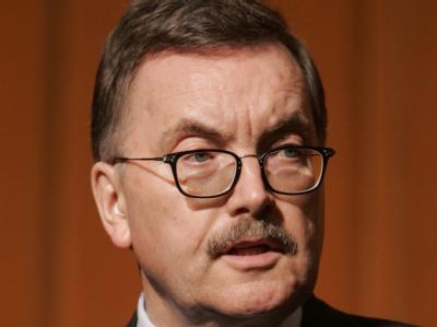 Der scheidende Chefvolkswirt der Europäischen Zentralbank, Jürgen Stark, spricht sich gegen einen stärkeren Schlusserlass für Griechenland aus. Foto: dpa
